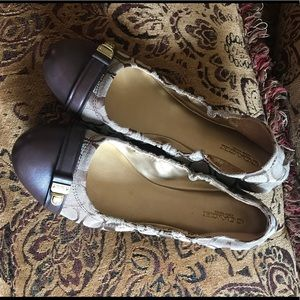 🤩 Women's Coach Flats size 8. Super cute!!